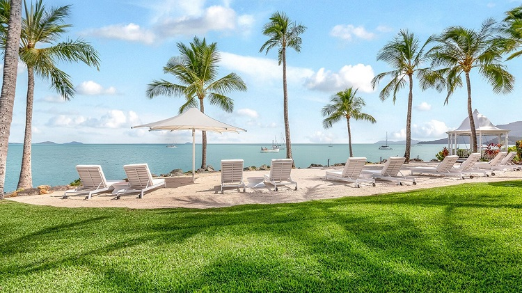 Coral-Seas-Beach-Resort